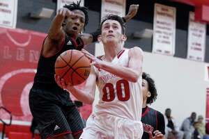 Splendora guard Jagger Kennedy (00) shared Newcomer of the Year honors in District 21-4A.