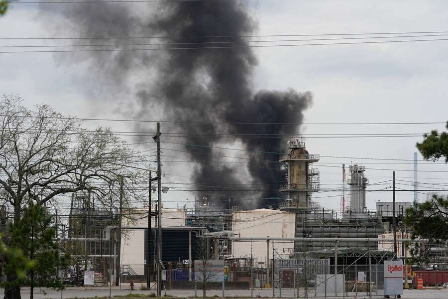 Fire contained at Exxon's Baytown facility