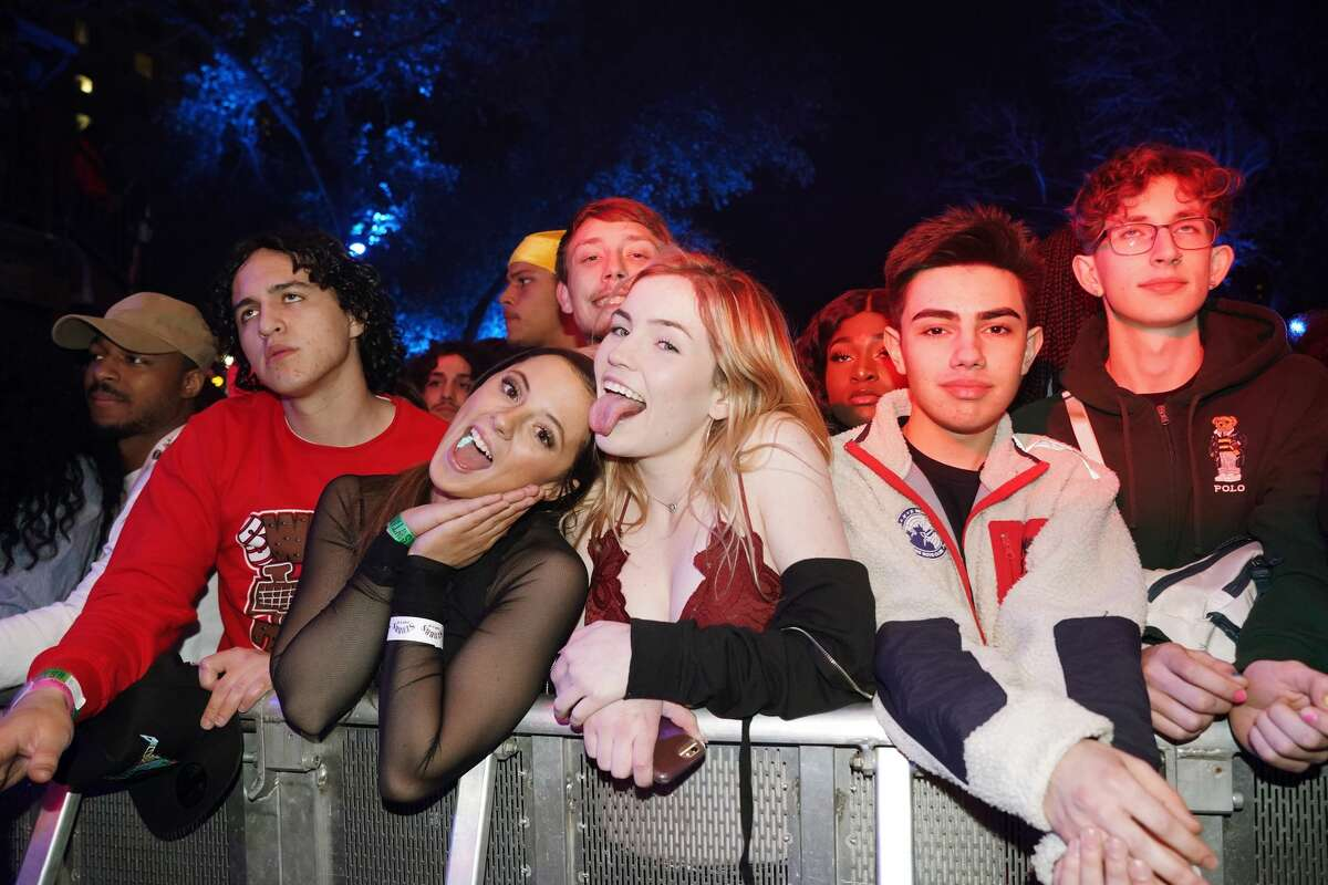 AUSTIN, TX - MARCH 15: Festivalgoers attend DNES Marketing during the 2019 SXSW Conference and Festivals at Stubbs on March 15, 2019 in Austin, Texas. (Photo by Amy E. Price/Getty Images for SXSW)