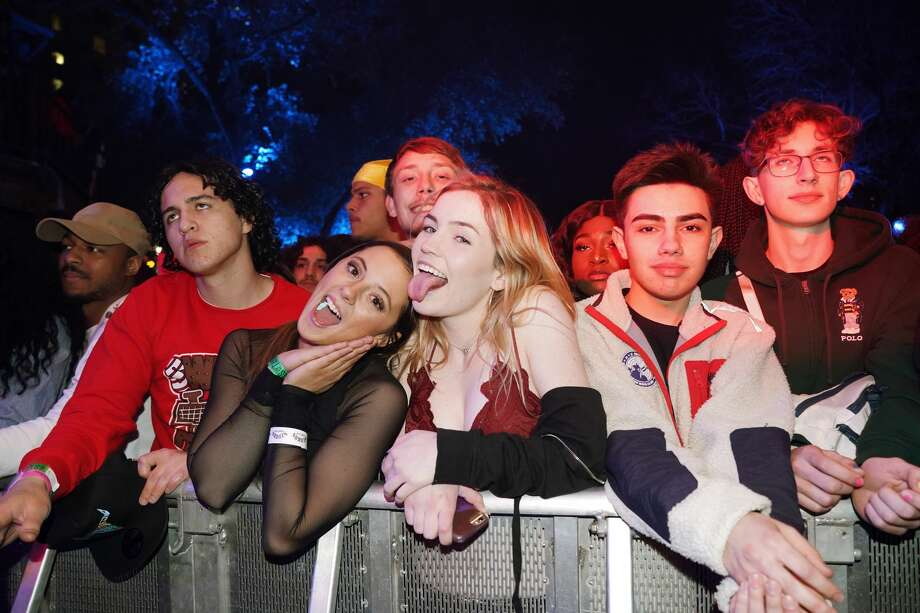 AUSTIN, TX - MARCH 15:  Festivalgoers attend DNES Marketing during the 2019 SXSW Conference and Festivals at Stubbs on March 15, 2019 in Austin, Texas.  (Photo by Amy E. Price/Getty Images for SXSW) Photo: Amy E. Price/Getty Images For SXSW