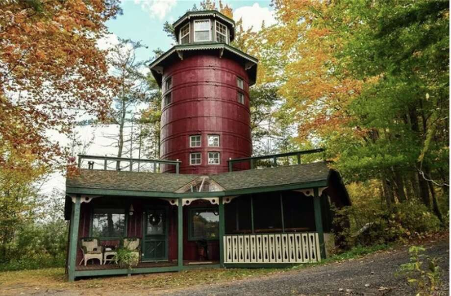 A 45-foot Rapunzel tower in the Adirondacks is this week's most popular home. Click ahead to see 12 habits people with clean, organized homes have in common, according to Realtor.com  Photo: Realtor.com