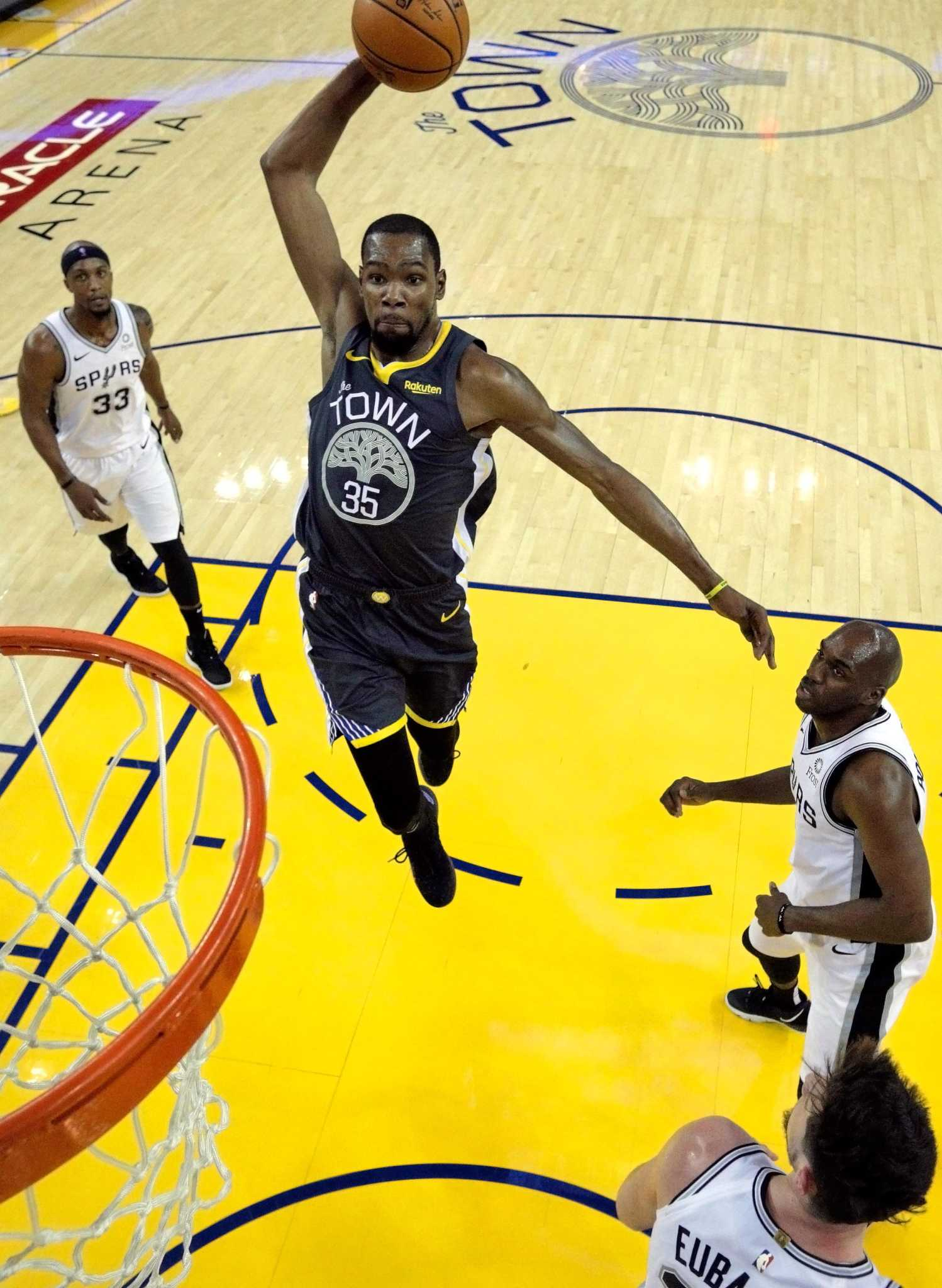 9a7ea86a9525 Writers  Roundtable  How do the Spurs matchup against the Warriors ...