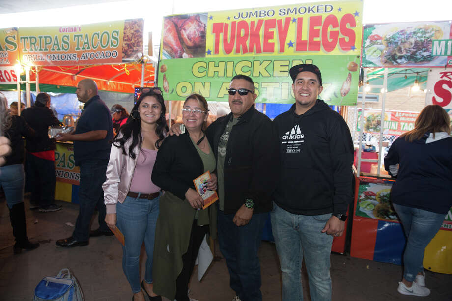 Photos Fans Pack Historic Market Square For The Tejano