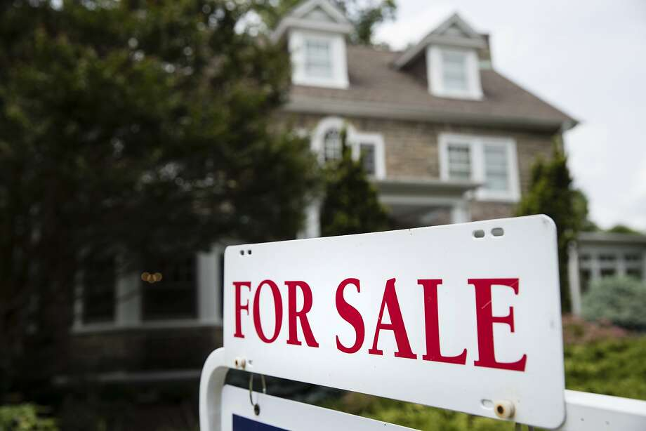 Established companies like Zillow and venture-backed upstarts like Opendoor and Offerpad have raised billions of dollars on the promise that they can use sophisticated algorithms to predict the value of individual homes. Photo: Matt Rourke, Associated Press