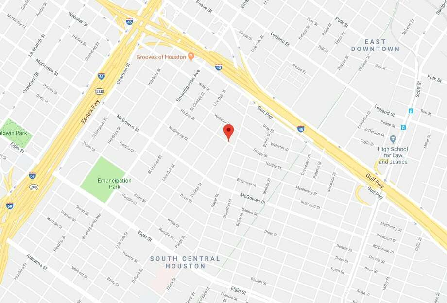 Police found an unidentified black male, estimated to be in his early 30s, dead on Delano Street. Photo: Google Maps
