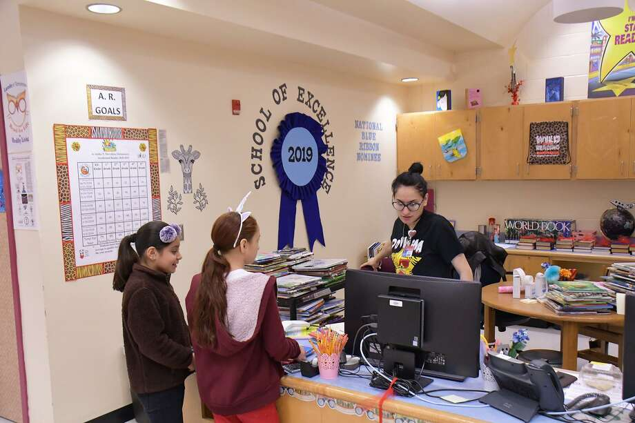 Located in one of Laredo's oldest andimpoverishedneighborhoods, Anita T. Dovalina Elementary has been nominated for a Blue Ribbon honor. Photo: Cuate Santos / Laredo Morning Times / Laredo Morning Times
