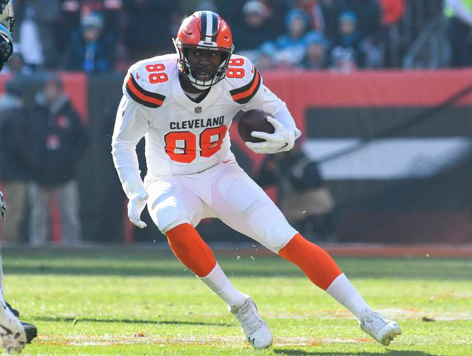 PHOTOS: Best free agents left and who's signed where Tight end Darren Fells #88 of the Cleveland Browns carries the ball in the second quarter a game against the Carolina Panthers on December 9, 2018 at FirstEnergy Stadium in Cleveland, Ohio. (Photo by: 2018 Nick Cammett/Diamond Images/Getty Images) Photo: Diamond Images/Diamond Images/Getty Images