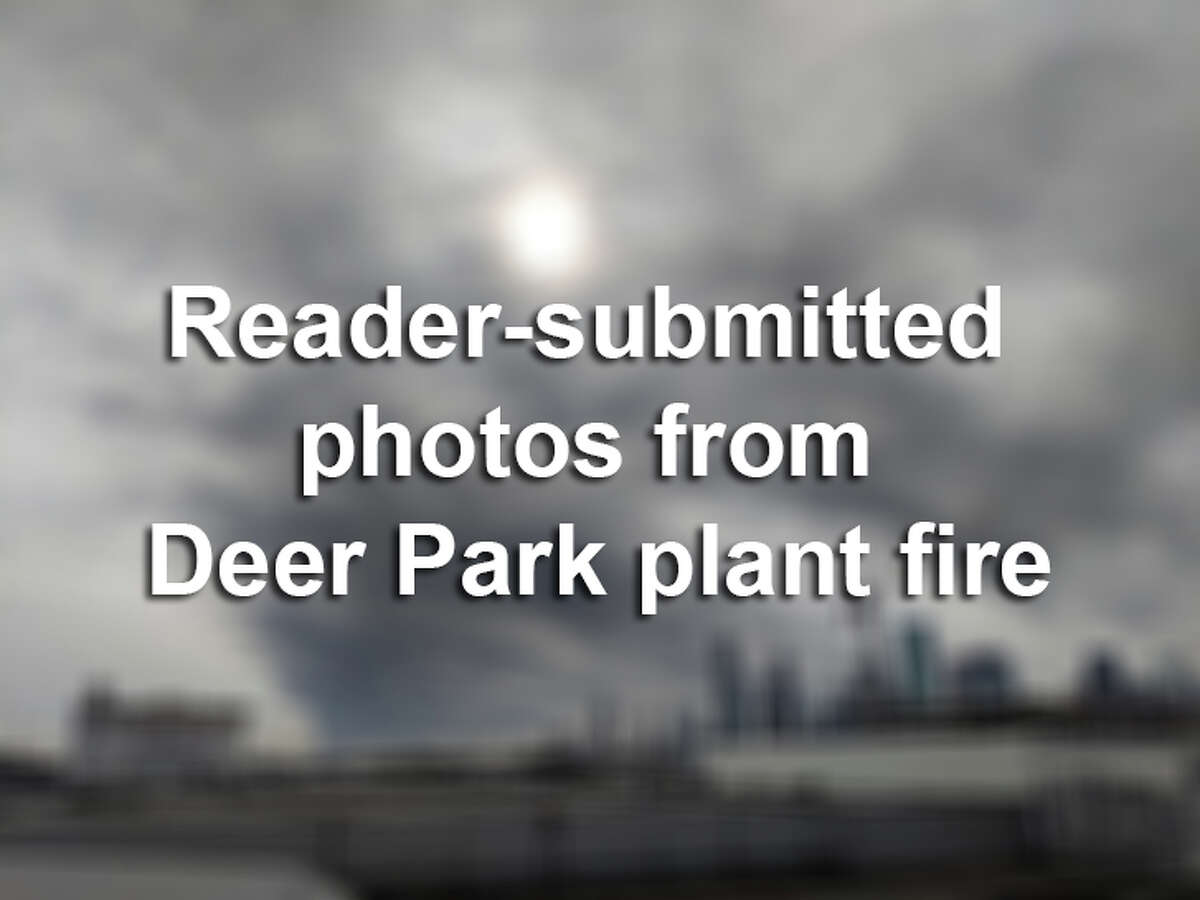 >> Keep clicking through the gallery to see reader-submitted photos from the Deer Park plant fire.
