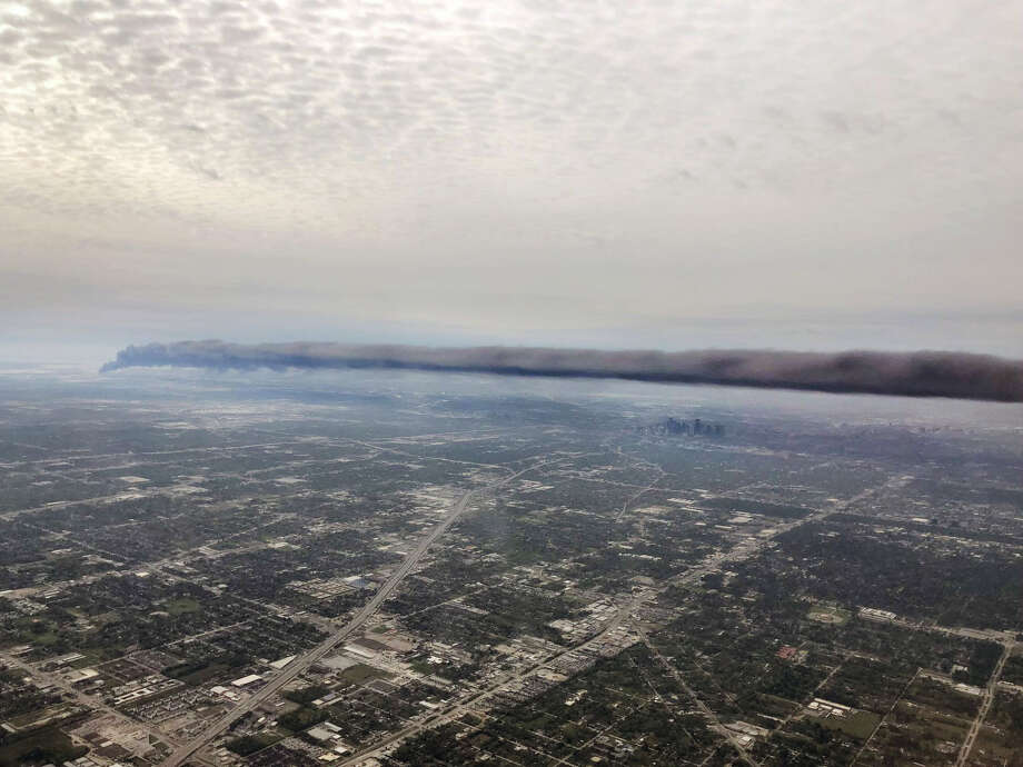 A photo taken by Josh McMillan shows an aerial view of the smoke from the Deer Park plant fire. Photo: Josh McMillan