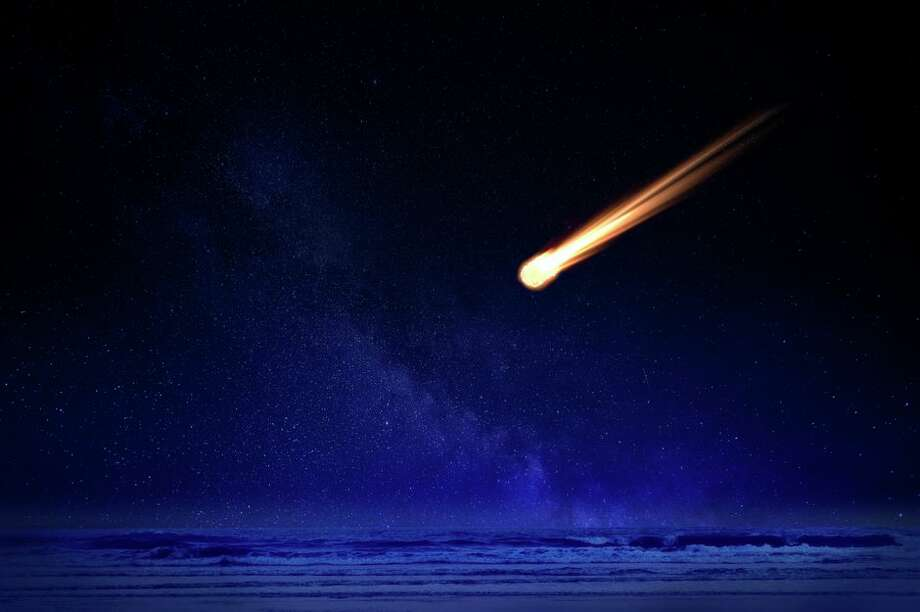 Between Monday and Tuesday, two meteor showers will peak. Photo: Pete Saloutos