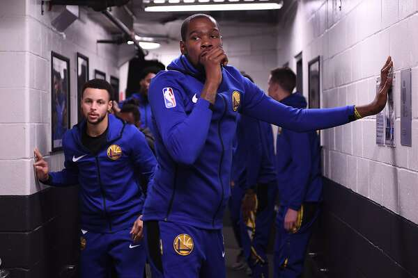 Warriors' Durant cleared to play vs. Spurs; Cousins, Iguodala out