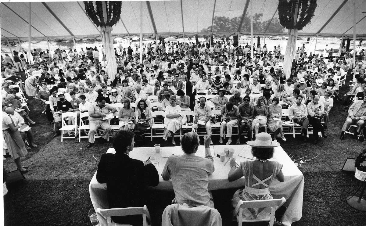 Napa Valley Wine Auction under the tent on a hot day, June 1984 September 4, 1986 Photo ran 06/18/1984, p. 3