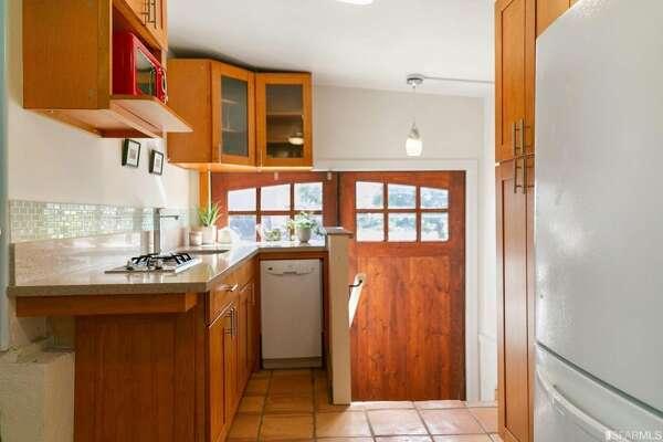 Detached studio kitchenette