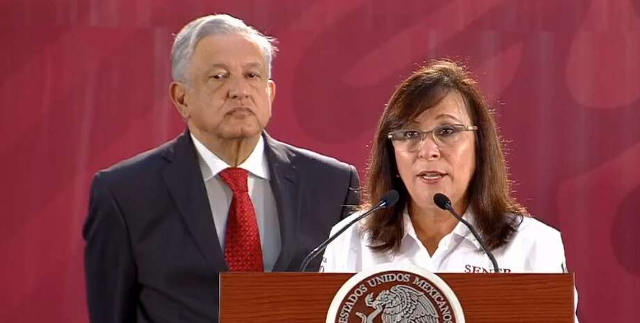 In an early Monday afternoon press conference, President Andres Manuel Lopez-Obrador, left, and Mexican Secretary of Energy Rocio Nahle, right, released bidding documents for the new Dos Bocas Refinery in Tabasco. Photo: Presidencia De Mexico