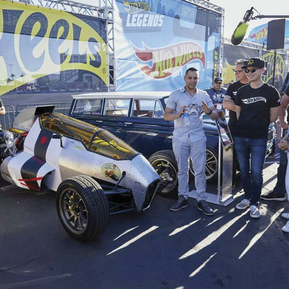 From this angle, it's clear that jet aircraft influenced 2JetZ, Luis Rodriguez's custom car.