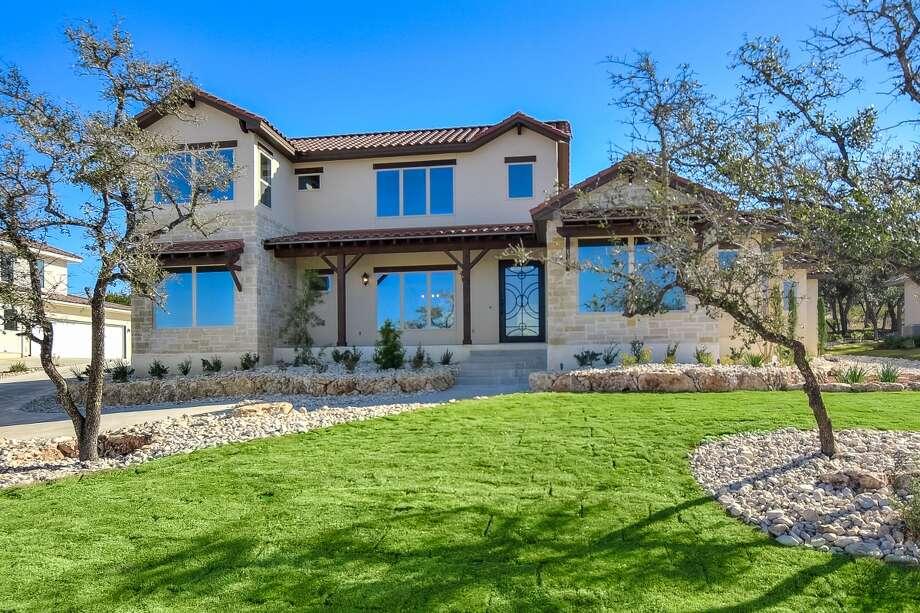 Builder:John Merritt Homes Community:The Canyons at Scenic LoopAddress:23118 Edens Canyon, SA, TX 78255 Price:From $994,000.00  Photo: John Merritt Homes