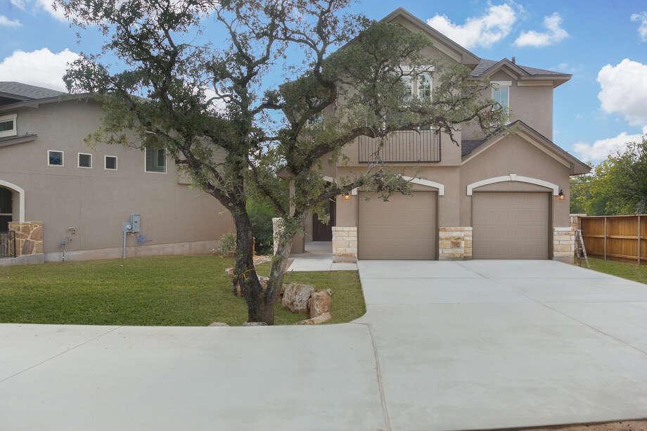 Builder:Texas Homes Community:Caliza SpringsAddress:21547 Arroyo Frio, SAT 78259 Price: $338,750  Photo: Texas Homes