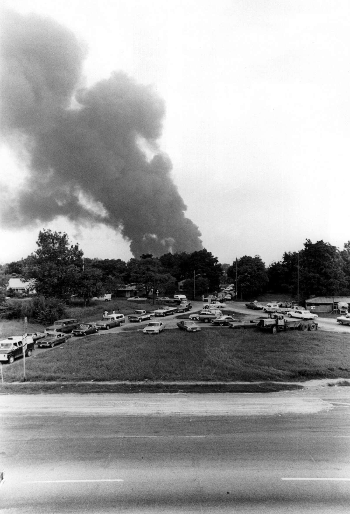 September 21, 1974: Explosion and fire at Southern Pacific Englewod Yard.