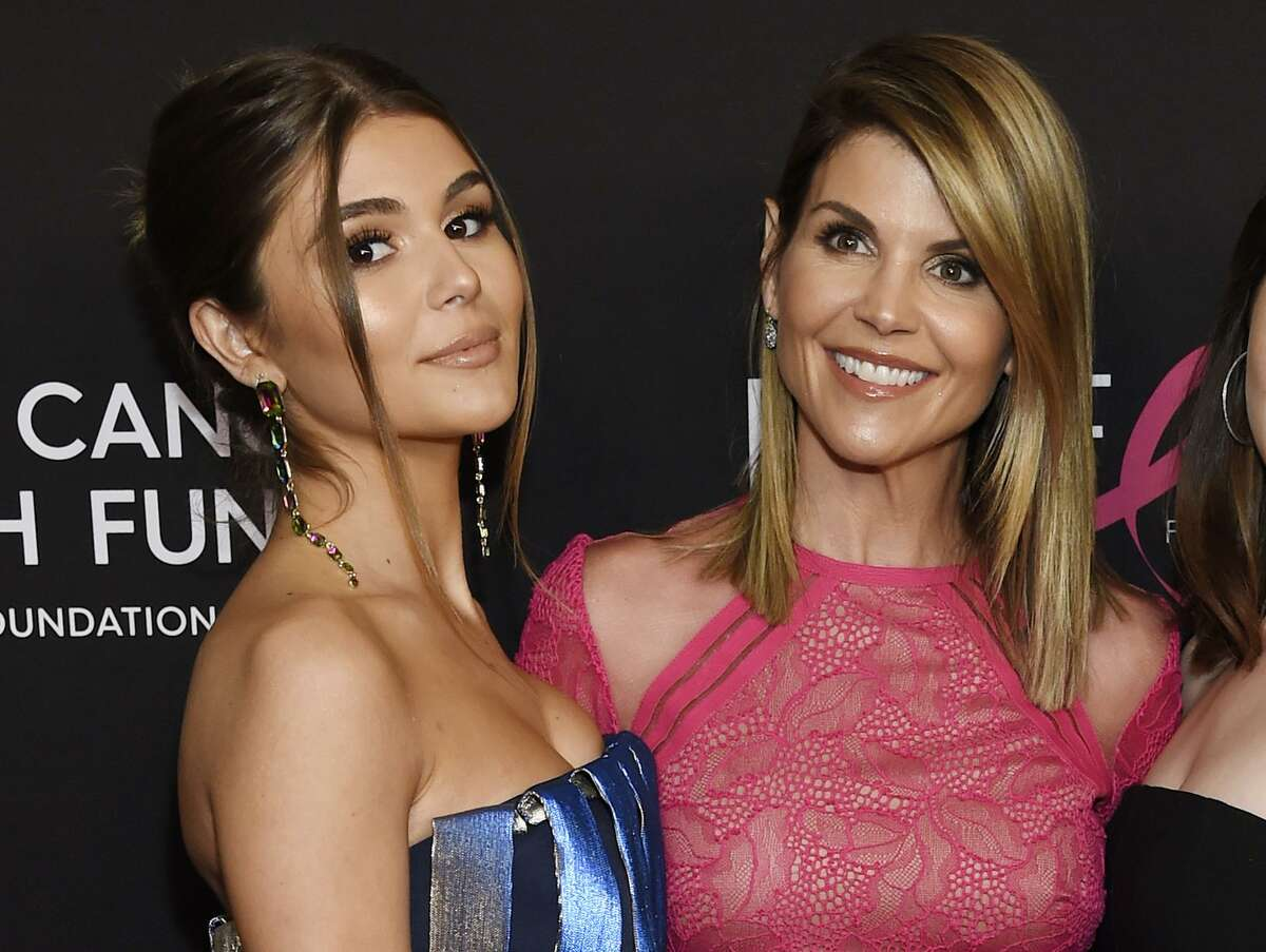 Lori Loughlin poses with her daughter Olivia Jade Giannulli, left, at the 2019