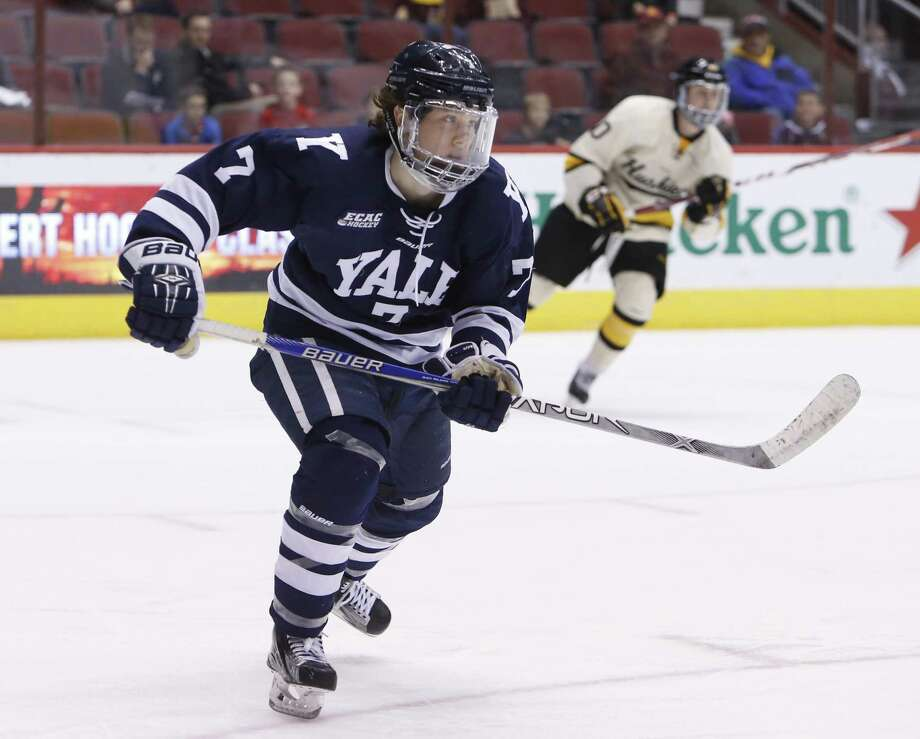 Yale's Joe Snively has signed a two-year entry-level contract with the Washington Capitals. Photo: Rick Scuteri / Associated Press / FR157181 AP