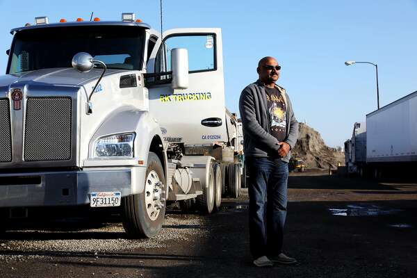 California truck drivers could become employees under ruling