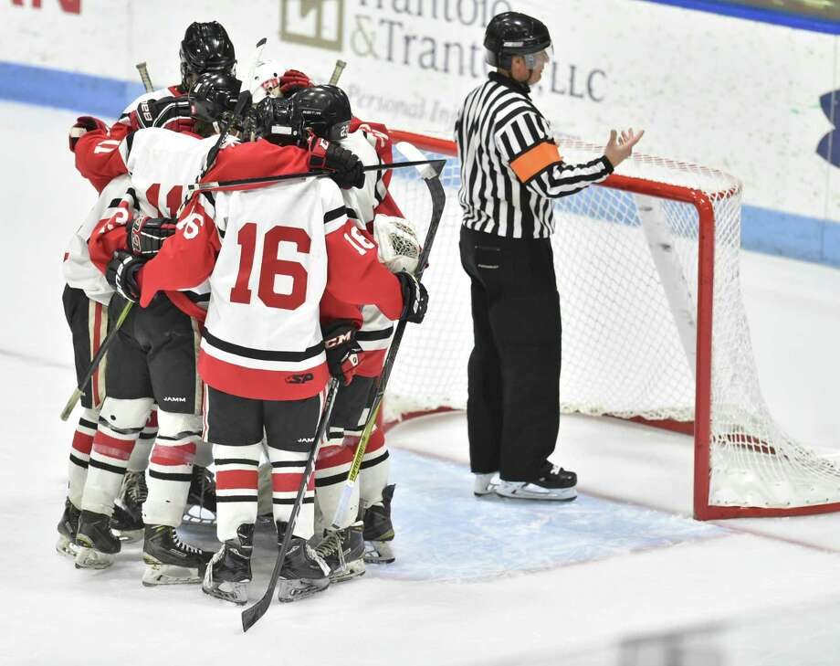 New Haven, Connecticut-Monday, March 18, 2019: Branford H.S. vs. Glastonbury H.S. during the first period of the CIAC 2019 State Boys Ice Hockey Tournament Division II championship game Monday evening at Ingalls Rink at Yale University in New Haven. Photo: Peter Hvizdak / Hearst Connecticut Media / New Haven Register