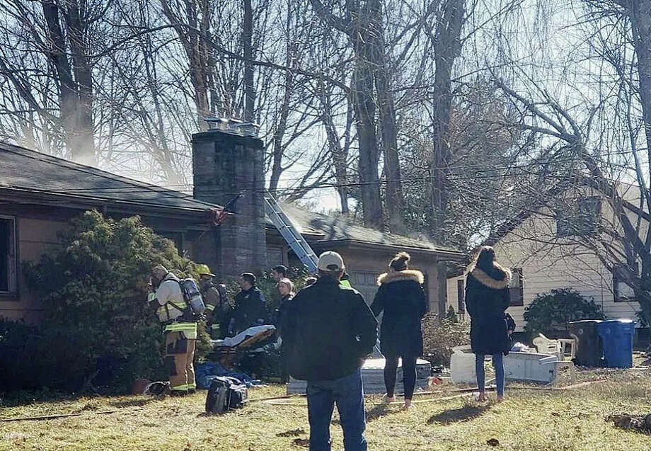 Officials on scene of a fatal fire on Florence Drive in Shelton on Sunday, March 17, 2019. Photo: Rank Del / For Hearst Connecticut Media
