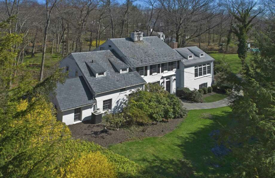 Photo: Berkshire Hathaway HomeServices, New England Properties / ONLINE_CHECK