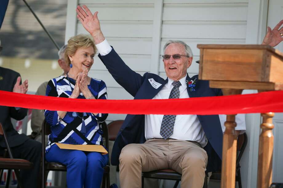 Annette Strake applauds as her husband George reacts to the audience sings him happy birthday during the grand opening of the Strake-Gray Oilfield House on June 10, 2017, at the Heritage Museum of Montgomery County. Strake Jr. spoke about his father in a history series at Sacred Heart Catholic Church on Monday. Photo: Michael Minasi, Staff Photographer / Houston Chronicle / © 2017 Houston Chronicle