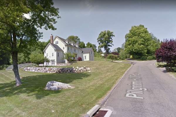 7 Pilgrim Hill Rd. in Ridgefield sold for $1,007,000.
