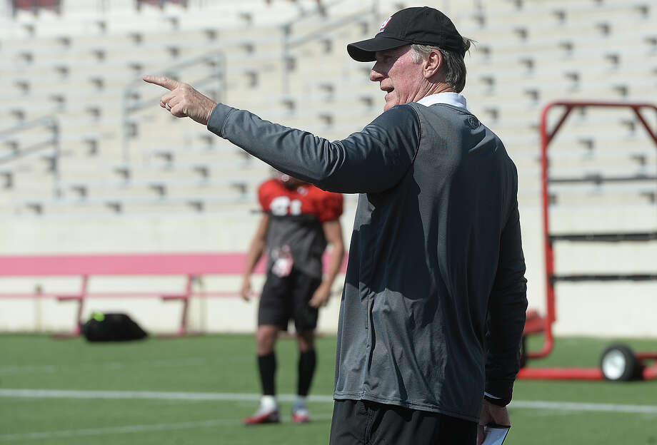 Lamar offensive coach Larry Edmondson observes and instructs during Tuesday's spring football practice. Photo taken Tuesday, March 19, 2019 Kim Brent/The Enterprise Photo: Kim Brent/The Enterprise