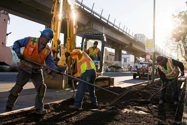 Oakland's plan to improve roads stuck in a rut - SFChronicle com