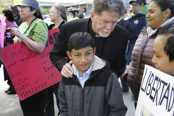 Protestors rally around immigrants hiding in Austin churches