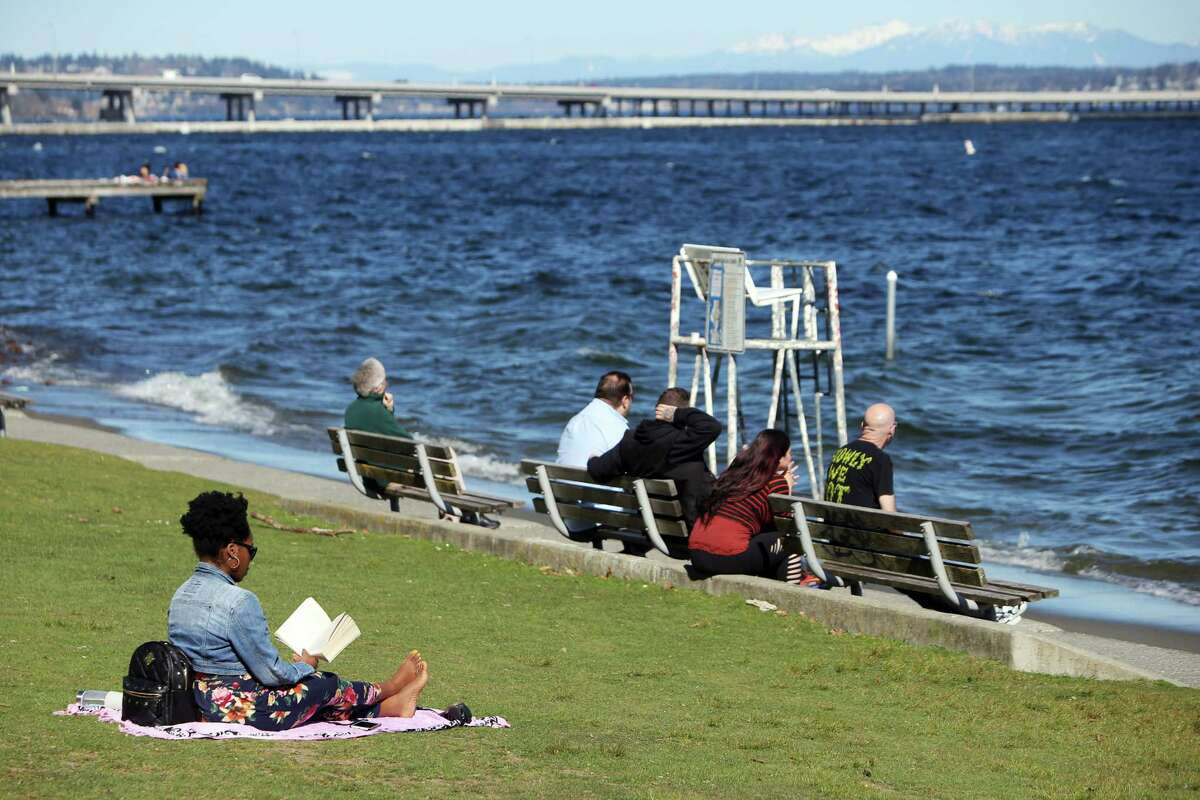Seattle's Sunday might've started out with a thick layer of fog, but don't expect that to last. Seattle's on deck for another gorgeous, if mid-60s day. According to the National Weather Service, Seattle is on deck for another day of