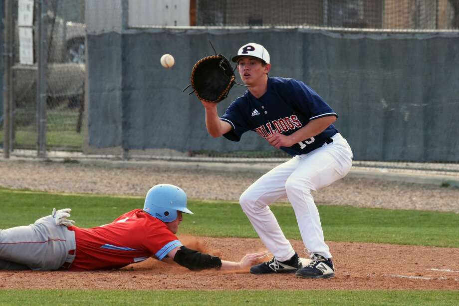 The Monterey Plainsmen baseball team rallied to beat the Plainview Bulldogs, 11-9, during District 3-5A action on Tuesday in Plainview. Photo: Claudia Lusk/Wayland Baptist University