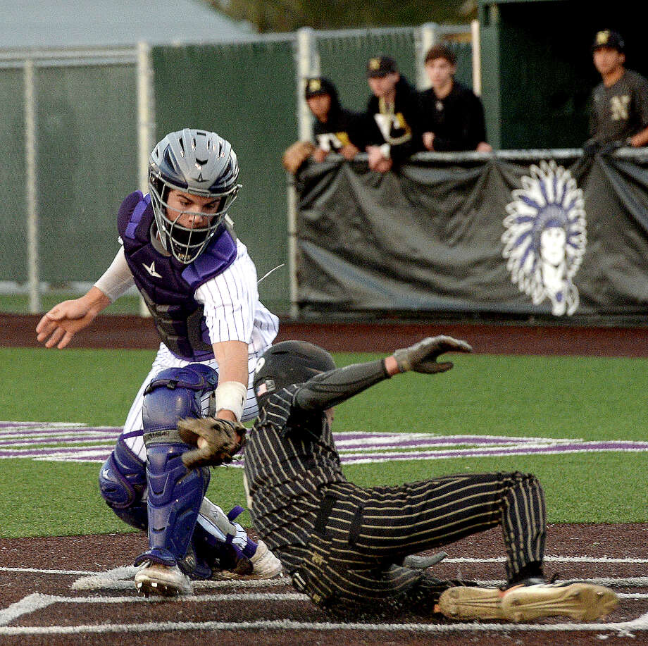 Nederland's Noah Gregory pitches against Port Neches-Groves during their match-up Tuesday at PNG. Photo taken Tuesday, March 19, 2019 Kim Brent/The Enterprise Photo: Kim Brent, The Enterprise / BEN