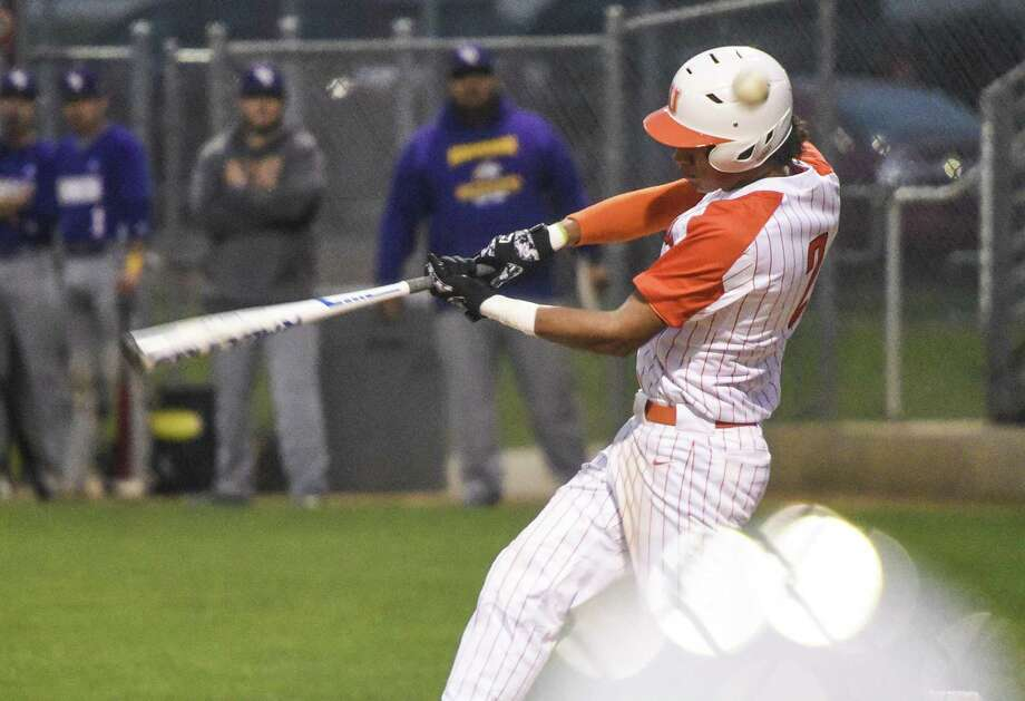 United defeated Nixon 10-0 to stay perfect in District 29-6A. Photo: Danny Zaragoza /Laredo Morning Times