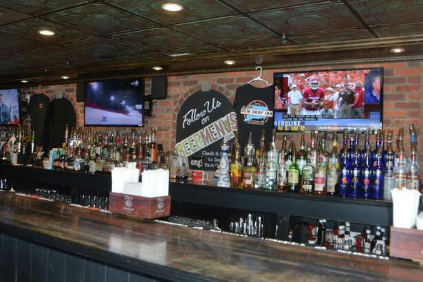 The Dew Drop Inn is a Derby mainstay serving Ranch BLT wings and Rodeo Burgers.
