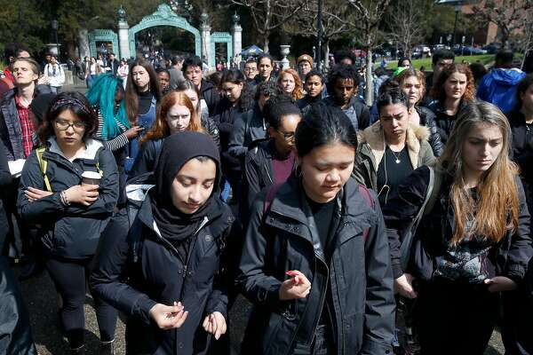 Students protest UC Berkeley police arrests they say were