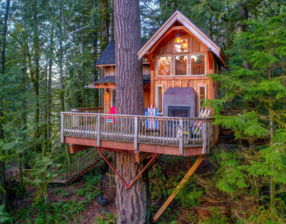 The Treehouse On This Washington State Home Is Probably Nicer Than