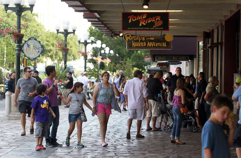 Attractions and shops on Alamo Plaza employ hundreds of residents and generate millions in taxes for city, county and state coffers. Photo: Tom Reel /San Antonio Express-News / ©2012 San Antono Express-News