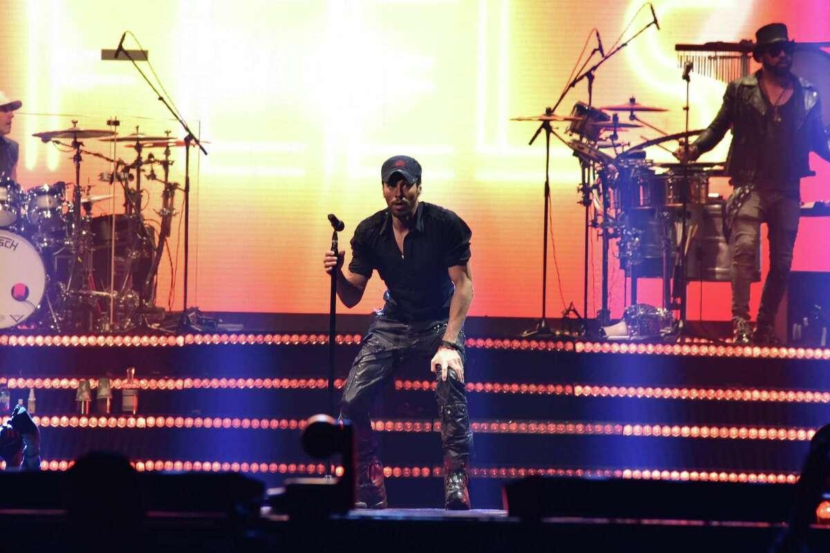 Enrique Iglesias Performs at the Toyota Center in Houston in 2017.