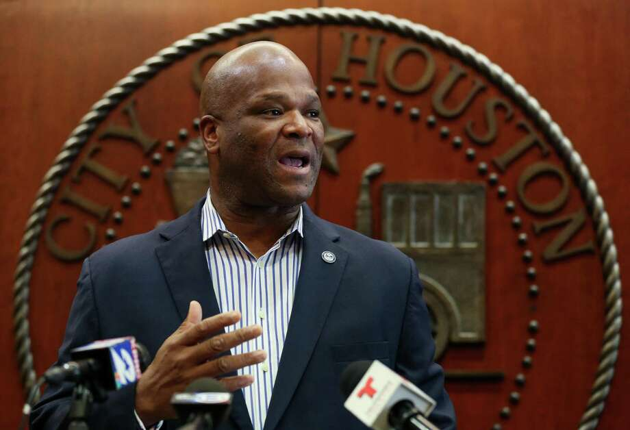 City Council Member Dwight Boykins talks to reporters March 8, 2019. Boykins has filed paperwork indicating his intention to run for mayor against incumbent and former political ally Sylvester Turner. Photo: Godofredo A. Vásquez, Houston Chronicle / Staff Photographer / 2018 Houston Chronicle