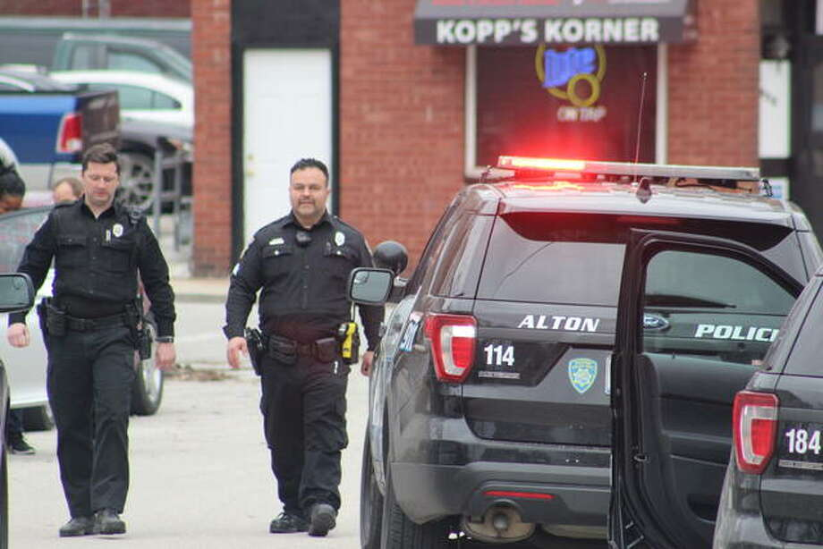 Alton Police responded to East 7th and Spring Wednesday afternoon after a call of shots fired. Photo: Steven Spencer | The Telegraph