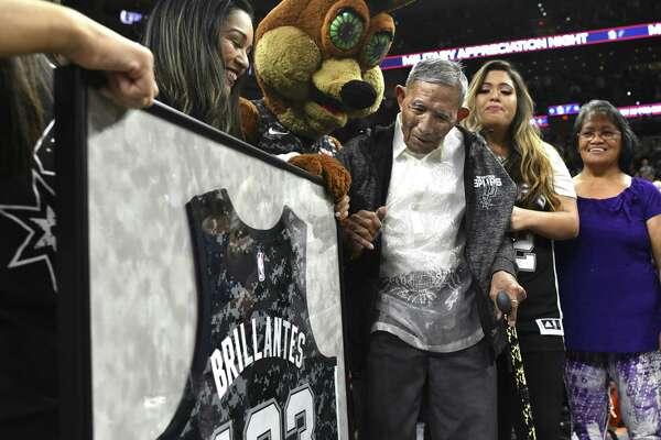San Antonio Spurs salute Filipino guerrilla, 103