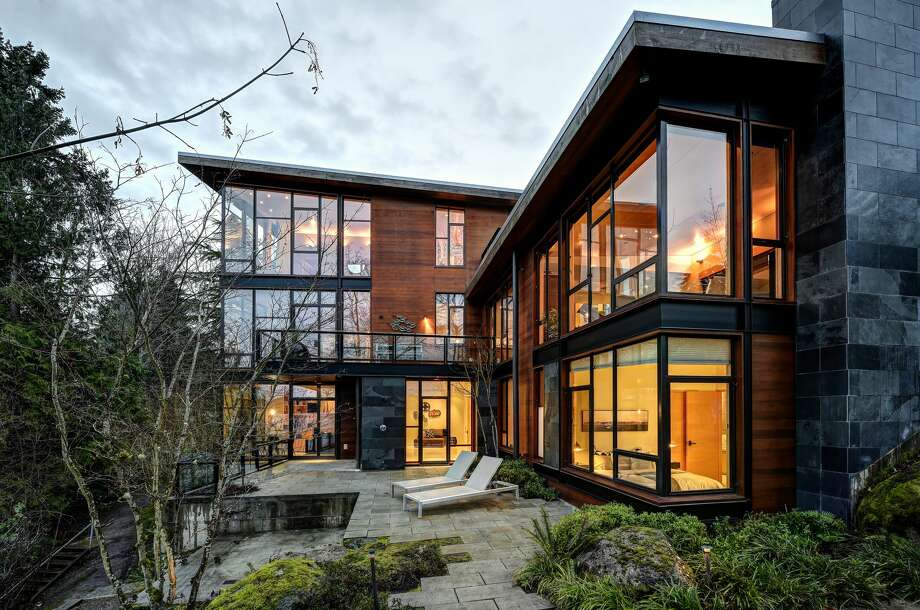 Stunning Kenmore custom home on Lake Washington seeks buyer and $4.2M Photo: Travis Peterson Of TCPeterson