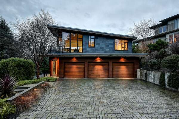 Stunning Kenmore custom home on Lake Washington seeks buyer and $4.2M