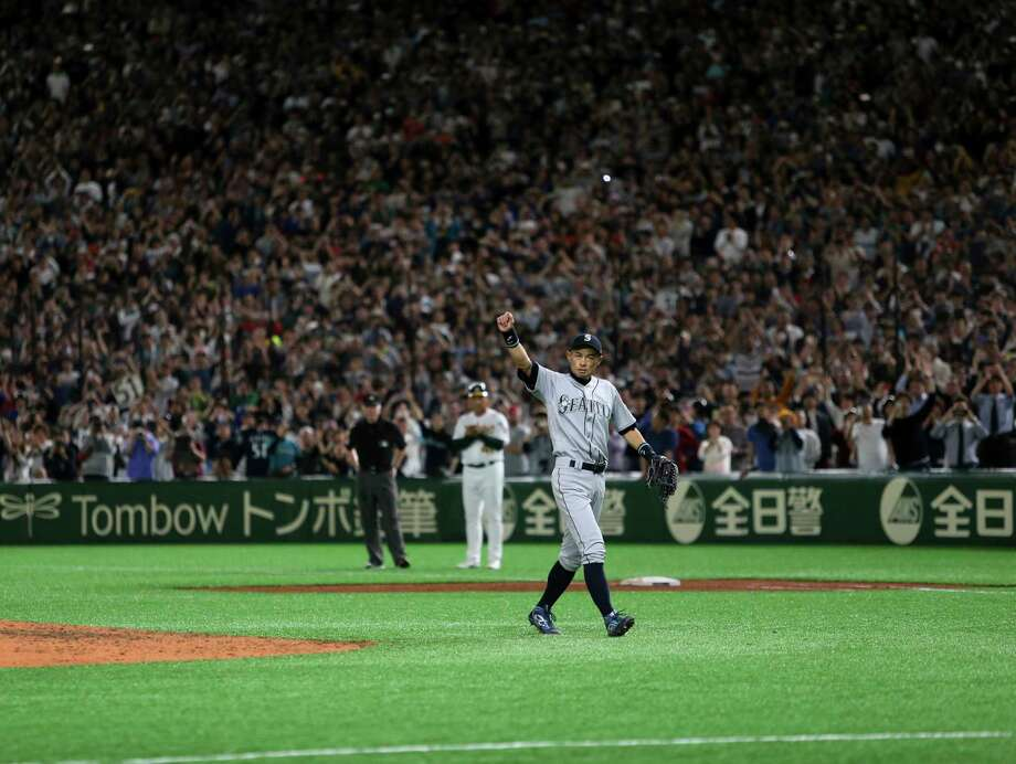 Seattle Mariners right fielder Ichiro Suzuki waves to spectators while leaving the field for defensive substitution in the eighth inning of Game 2 of the Major League baseball opening series against the Oakland Athletics at Tokyo Dome in Tokyo, Thursday, March 21, 2019. Photo: Toru Takahashi, AP / Copyright 2019 The Associated Press. All rights reserved.