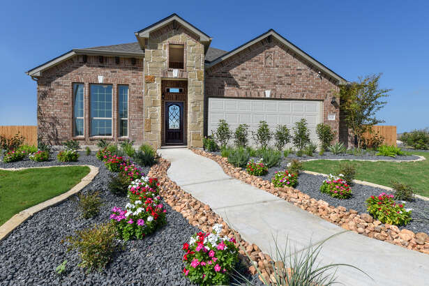 Builder:Armadillo Homes Community:The Parklands Address:5211 Village Park, Schertz,TX 78124 Price:$306,990