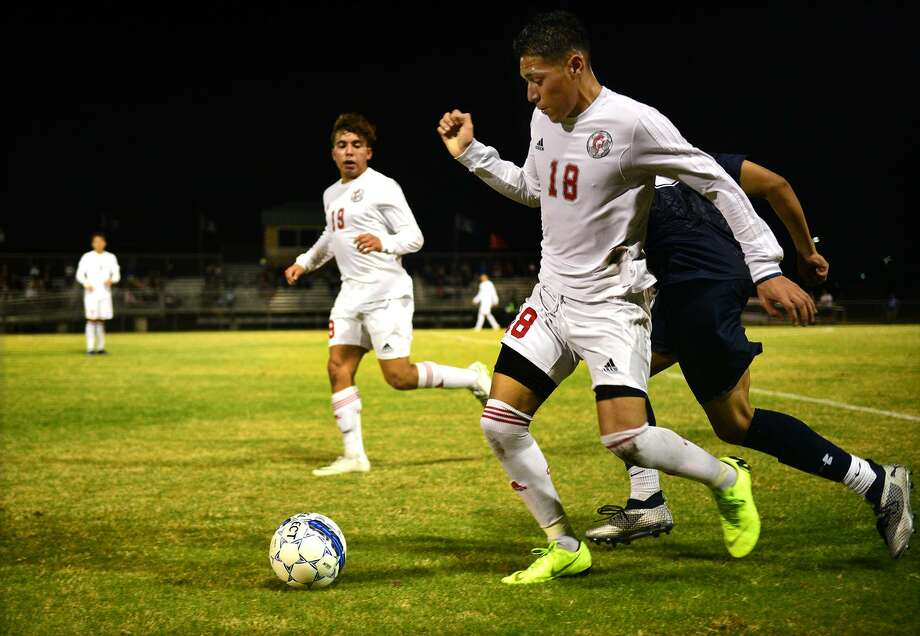 The Cy Lakes soccer team is striving to finish in the top two in District 14-6A behind Cy Ranch under the leadership of head coach Franklin Cartagena. Photo: Jerry Baker, Houston Chronicle / Contributor / Houston Chronicle